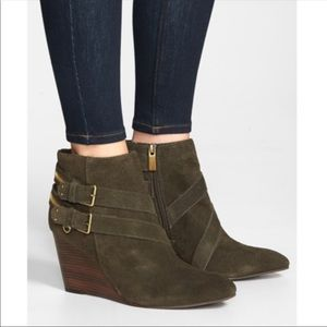 DV by Dolce Vita PADEN Wedge Ankle Booties Zipper